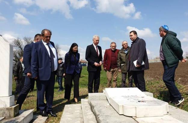Cimitirul-evreiesc-Klem-Buzatu-Ciupilan-Husi