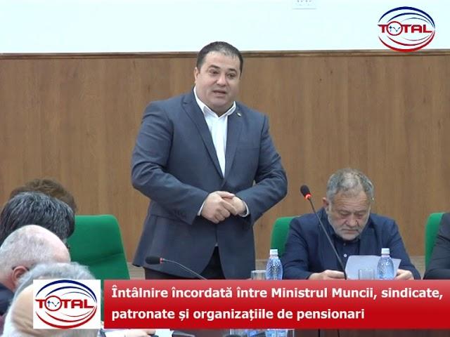 Întâlnire încordată între Ministrul Muncii, sindicate, patronate și organizațiile de pensionari