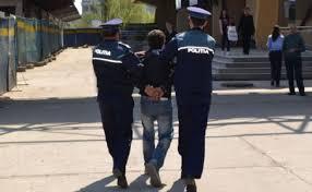 arestat pentru furt